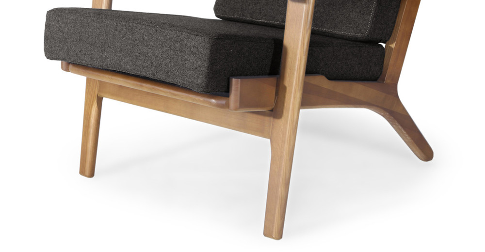Wegner Plank Chair Charcoal Walnut Stain Kardiel