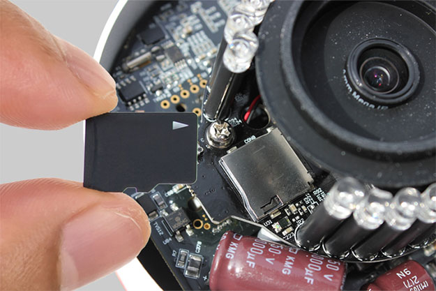micro-sd-slot-625.jpg