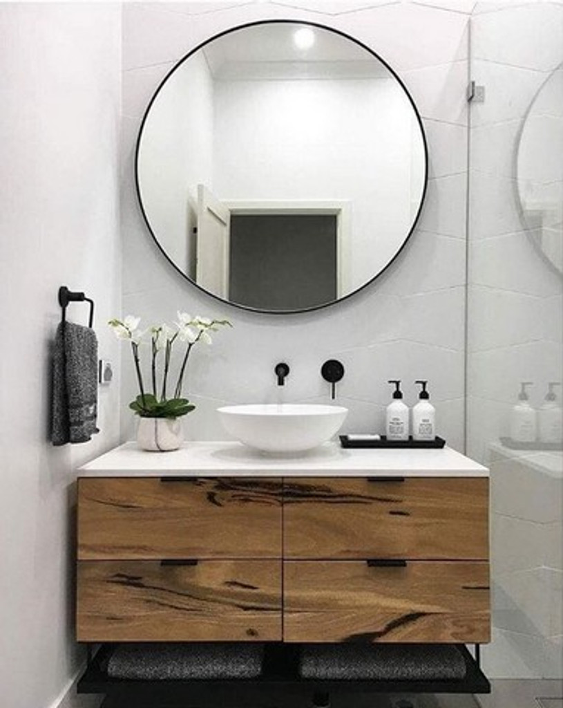 Round mirror for the bathroom