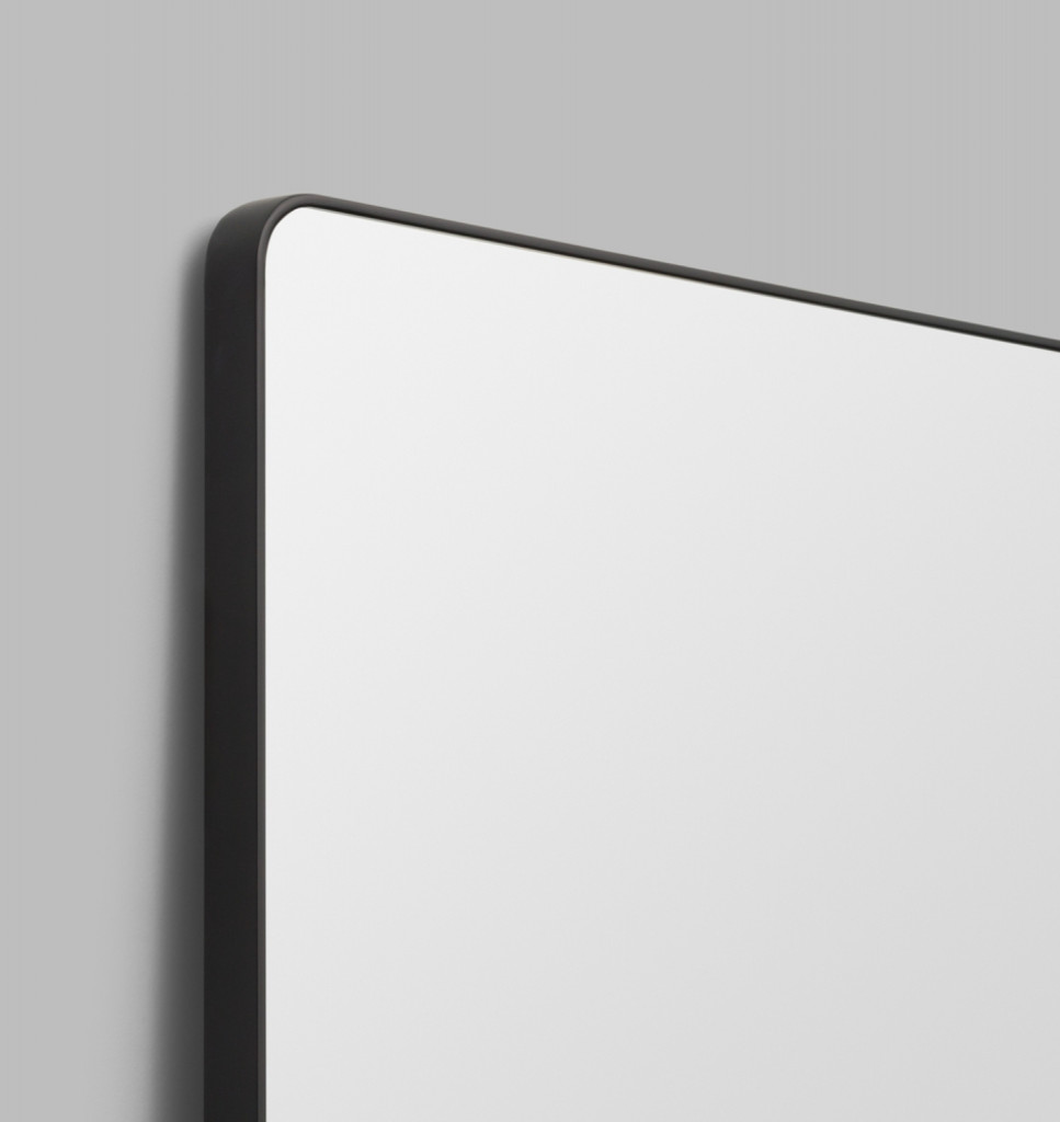 Errol Curved Black | Print Decor | Detail