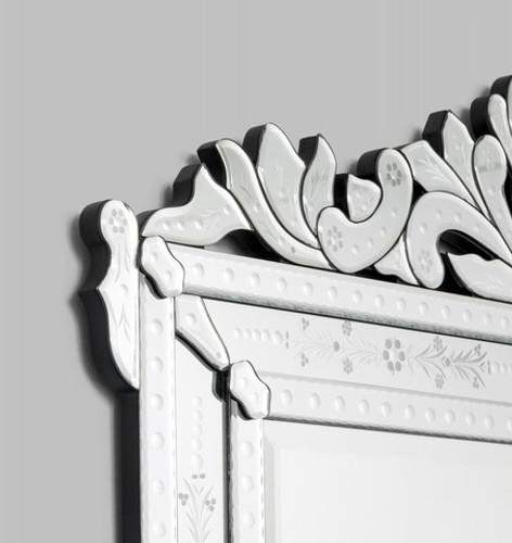 Venetian Mirror Rochester | Detail