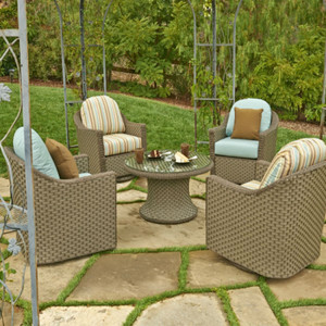 Outdoor Chairs and Ottomans