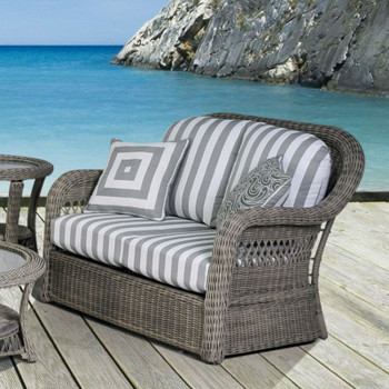 Arcadia Outdoor Loveseat
