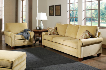 The traditional styling and plush cushions make the Highland Seating Collection a perfect addition to your living room.
