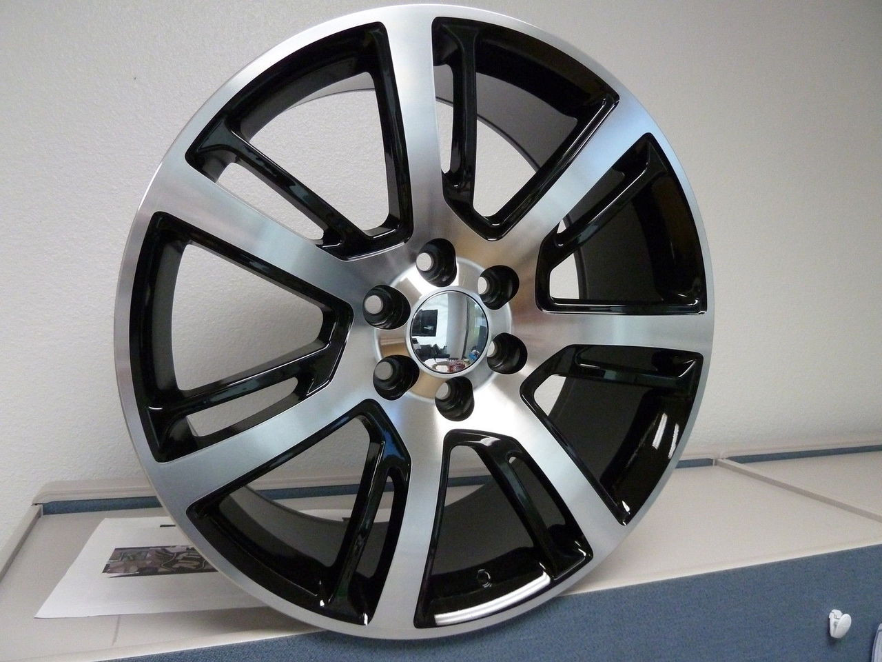 chrome hyper for fits escalade set of wheels with ic cadillac silver insert p rims