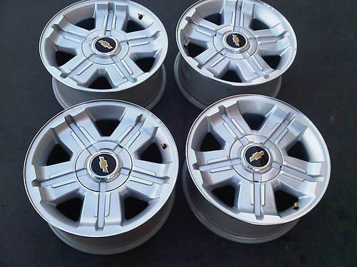 18 fits chevy silverado z71 wheels rims tahoe suburban silver set 4 hollander 5300 stock. Black Bedroom Furniture Sets. Home Design Ideas