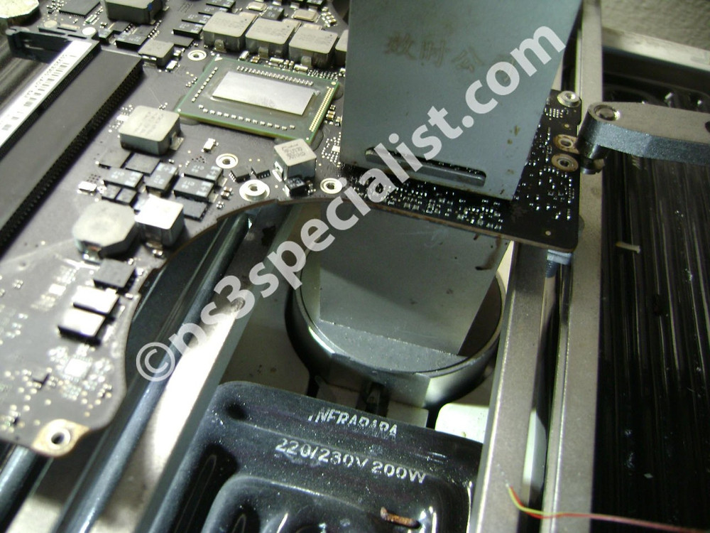 Macbook GPU Reballing repair service 2009, 2010, 2011 and 2012