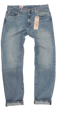 Fit of Levi's 541 men's Athletic Fit jeans made in Mexico