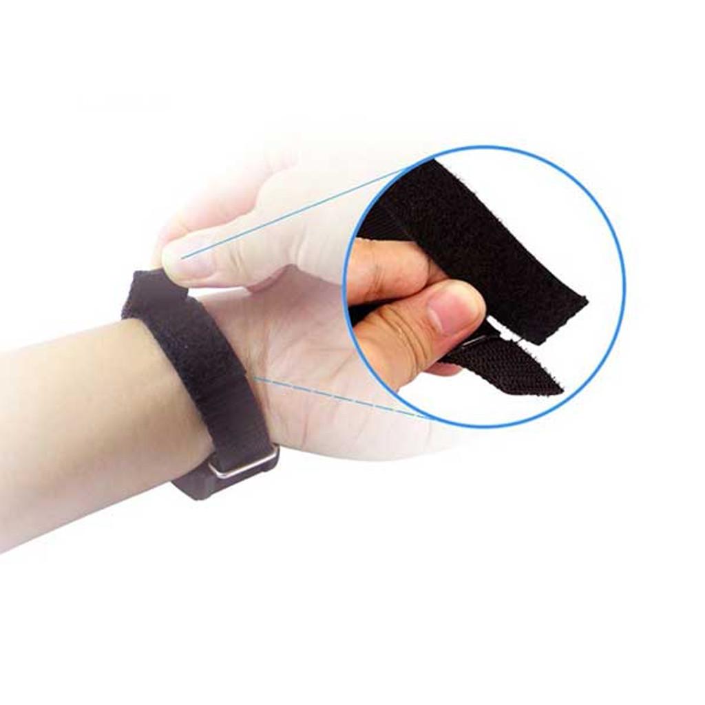 Magnetic Wrist Band for repairing smart phone