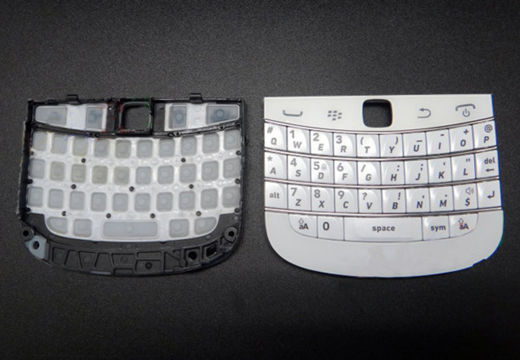 Keypad + Bottom Cover for BlackBerry 9900/9930 -White from www.parts4repair.com