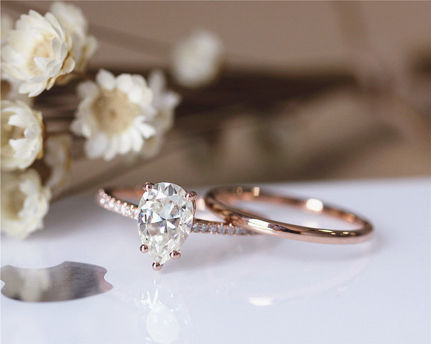 1.5ct Pear Cut Brilliant Moissanite Engagement Ring Set Solid 14K Rose Gold Ring Set
