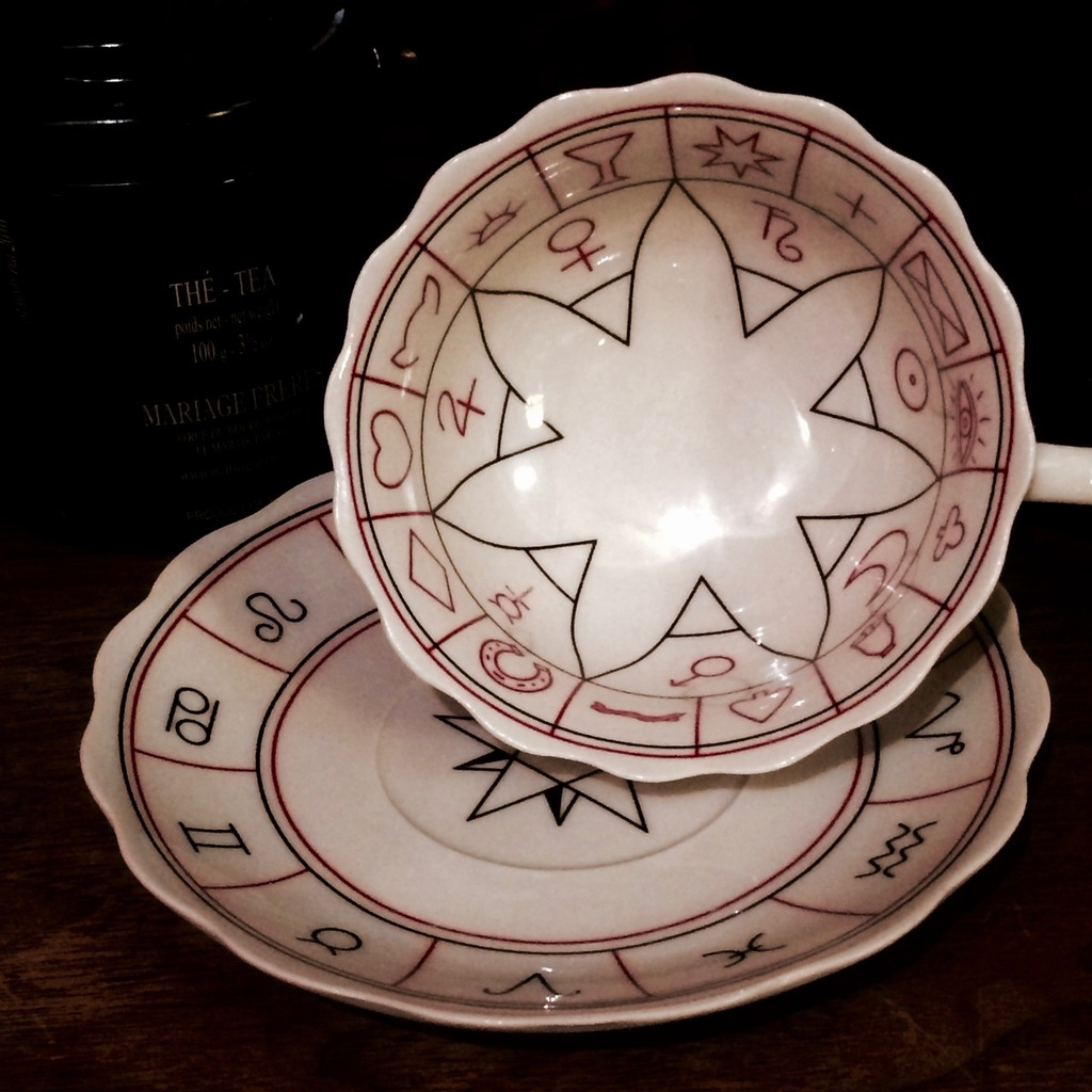 Fortune Tellers Tea Cup & Saucer for Divination and Foretelling the Future with Instructions