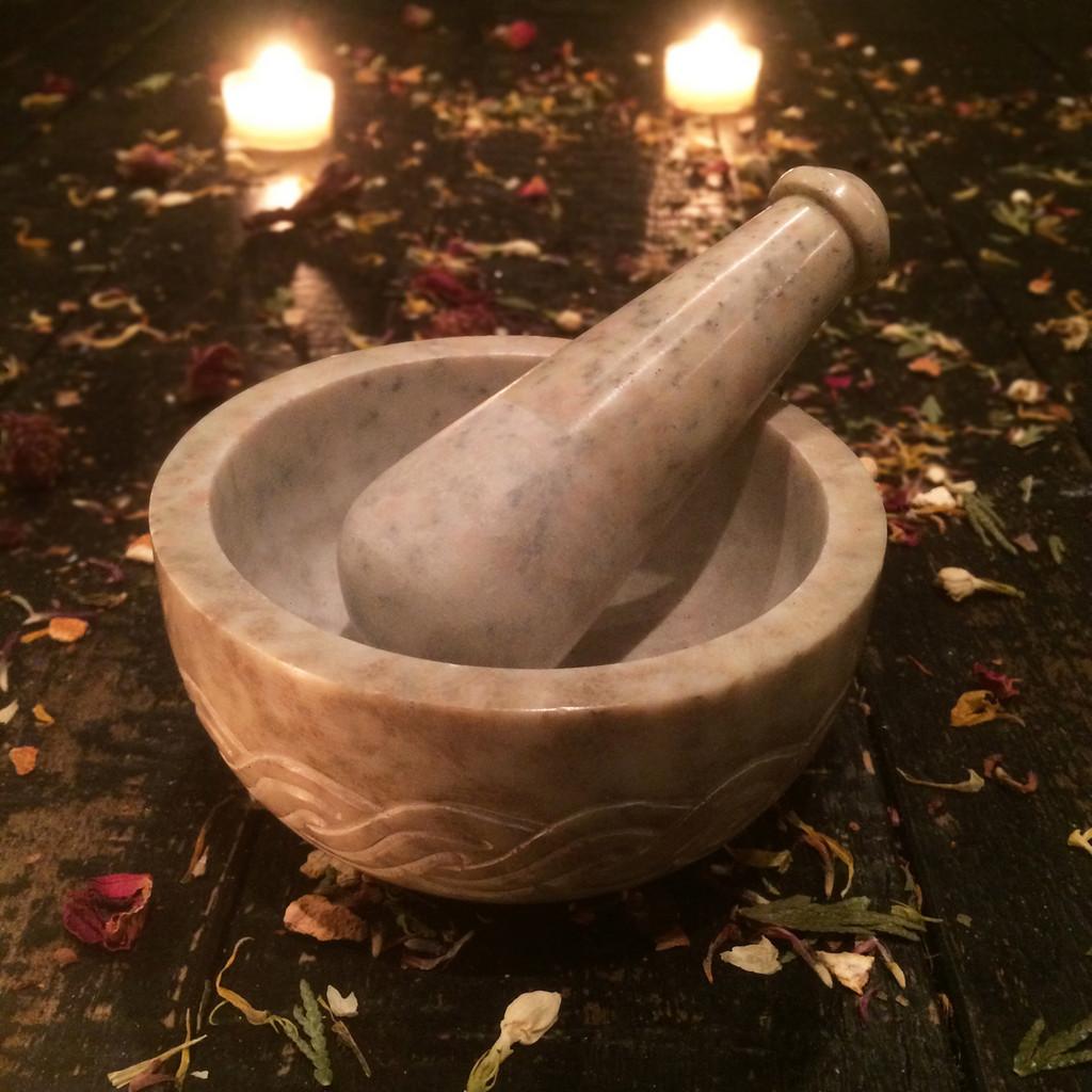 Celtic Mortar & Pestle Set Traditional