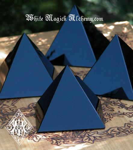 "Black Obsidian Glossy Crystal Gemstone Pyramid MEDIUM 2.75"" . Protection, Peace, Deflecting Negative Energies, Stress and Anxiety"