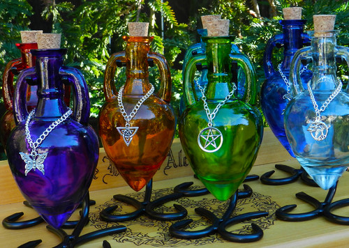 Potion Bottle Vessel with Metal Stand - Without Charm and Chain