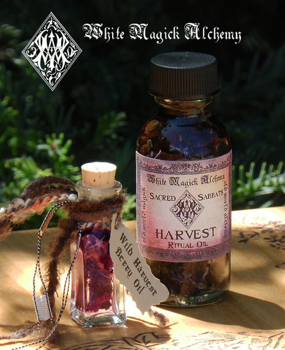 Harvest Wild Berry & Frankincense Ritual Oil Bottle for Lammas, Lughnasadh, Mabon, Samhain