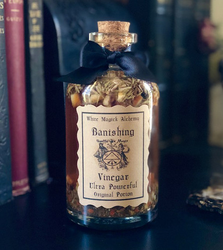Banishing Vinegar Ultra Powerful Potion 16oz for Banishing Negative Energies, Spiritual Disturbances, Negative People