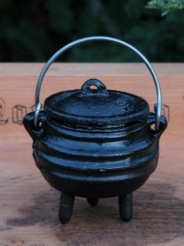 Mini Witches Cauldron