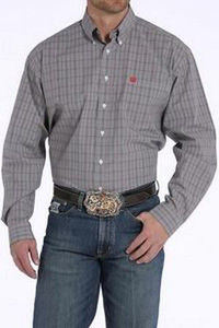 https://d3d71ba2asa5oz.cloudfront.net/12002466/images/mtw1104599-cinch-plaid-button-shirt-red-white-front__30637.jpg