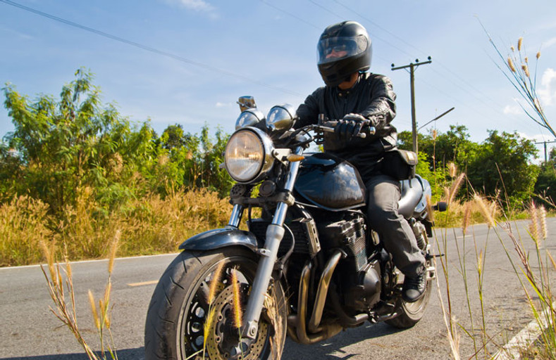 9 Important Things to Bring During Your Motorcycle Trips