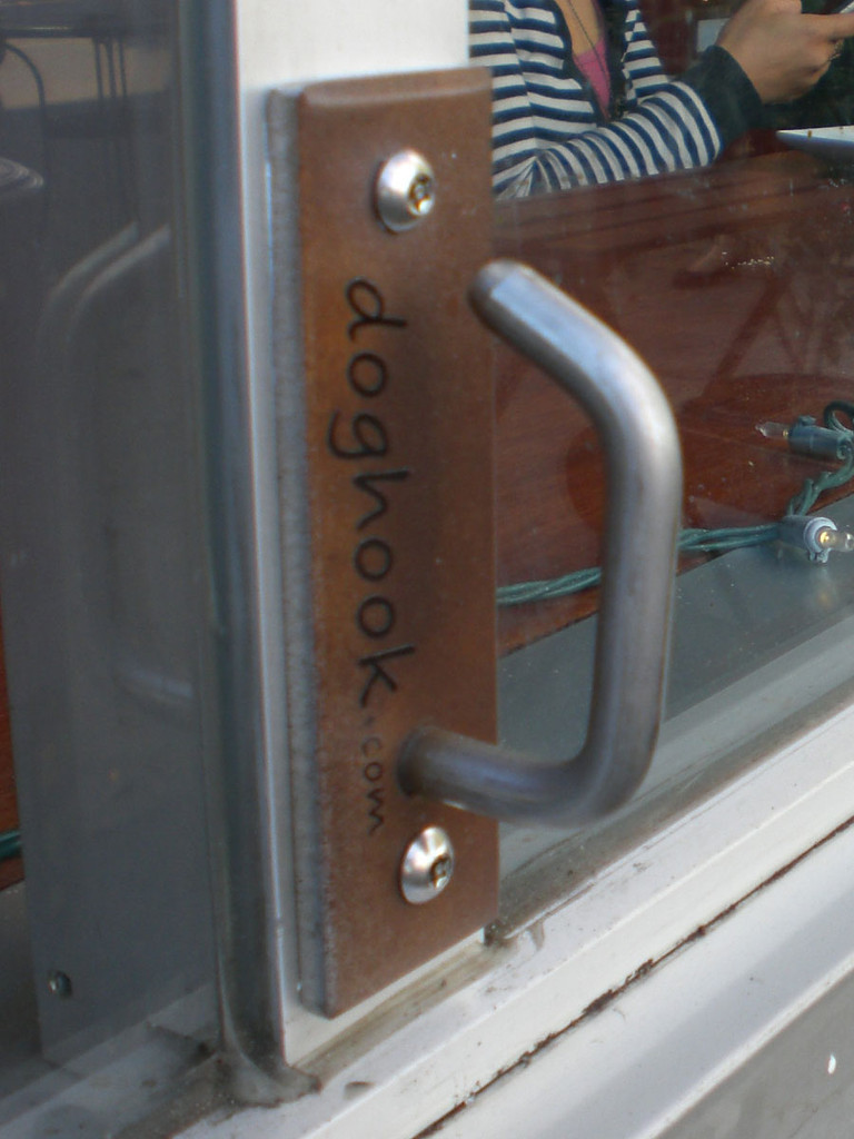 Doghook Compact - Rust Look with Masonry Hardware Kit