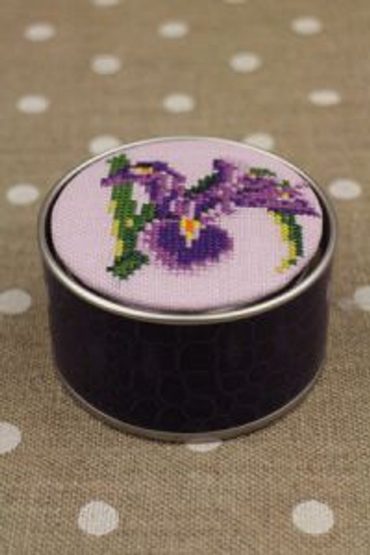 Sajou Cross Stitch Kit - Iris - Box to Embroider