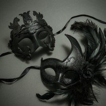 Couple's Party Prom Masquerade - Black Venetian Warrior Pegasus Mask & Half Face Feather Glitter Eye Mask