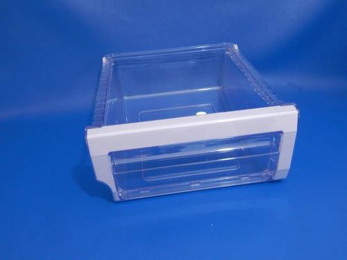 Samsung Bottom Mount Refrigerator RF28HMEDBSR Right Crisper Bin DA97-08437D