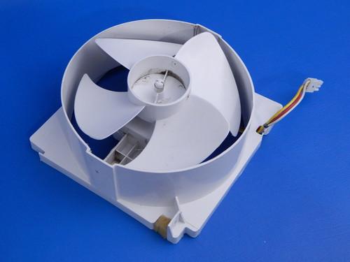 Bosch Side By Side Refrigerator B22CS50SNS Condenser Fan 00647518