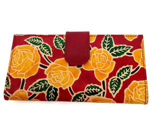 Hand painted and embossed women's wallet in genuine leather.