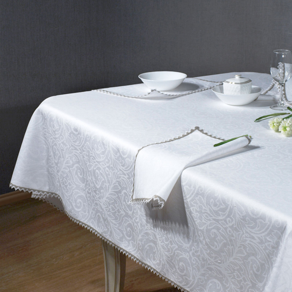 Linen tablecloth set