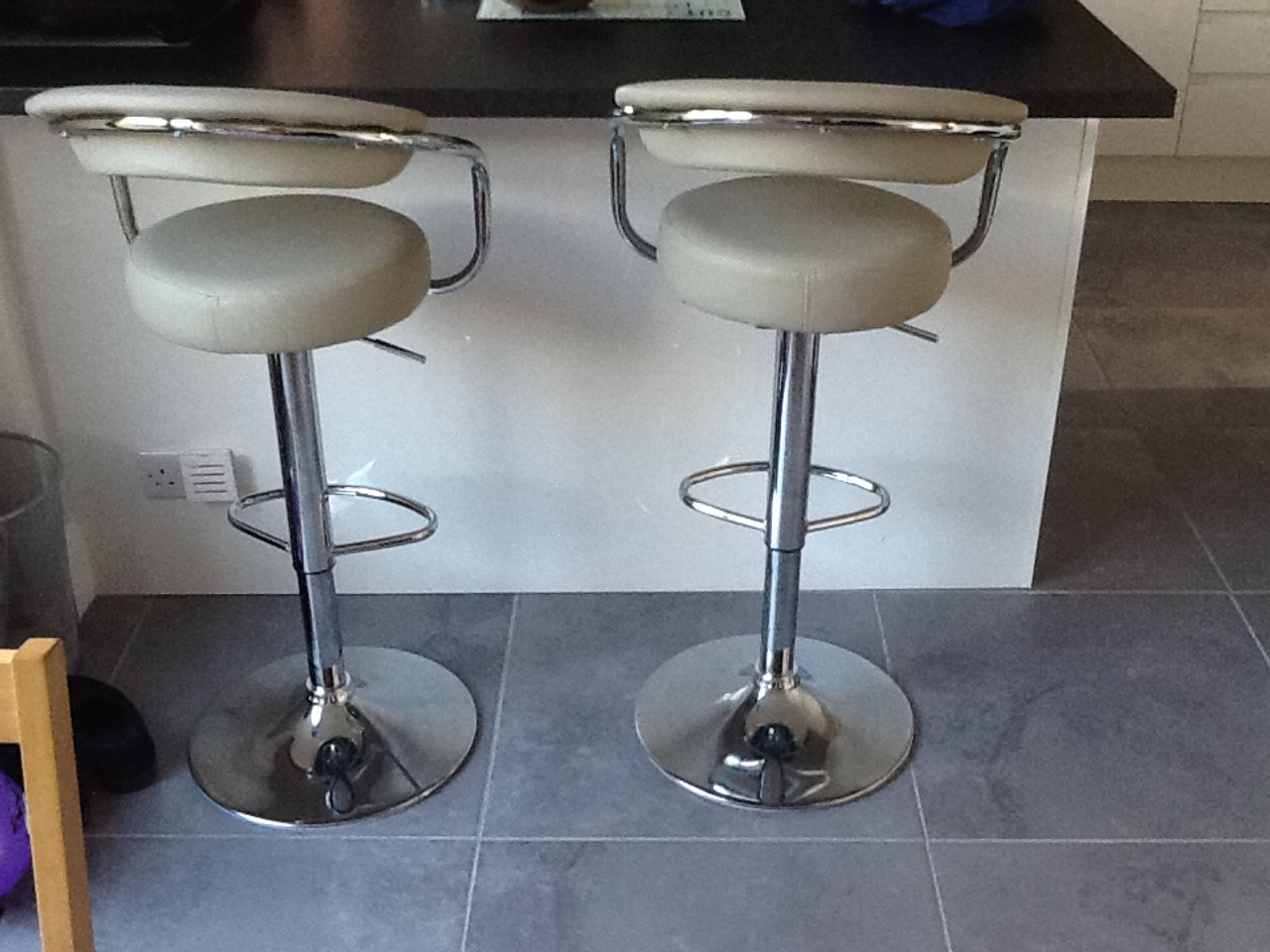 Zenith Grey Bar Stool Breakfast Bar Stool Black Bar Stool : zenithgrey943141499771202 from www.simplybarstools.co.uk size 960 x 720 jpeg 135kB
