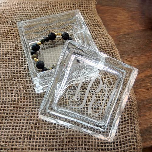 Personalized Camilla Jewelry Box - Interlocking Script Font