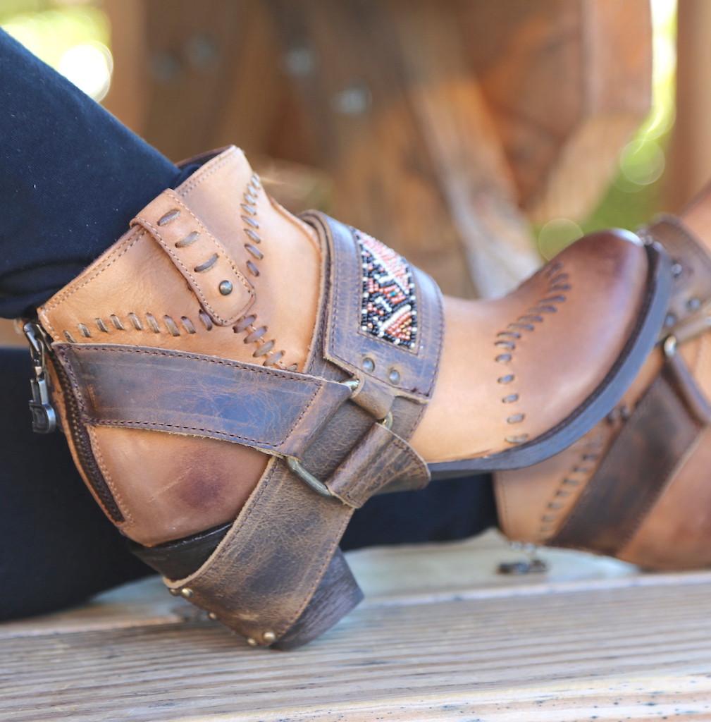 Lane for Double D Ranch Cordero Rizado Tan Boots DD9046A Harness