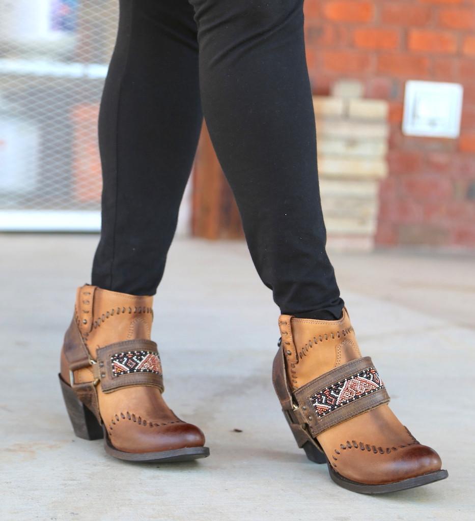 Lane for Double D Ranch Cordero Rizado Tan Boots DD9046A Toe