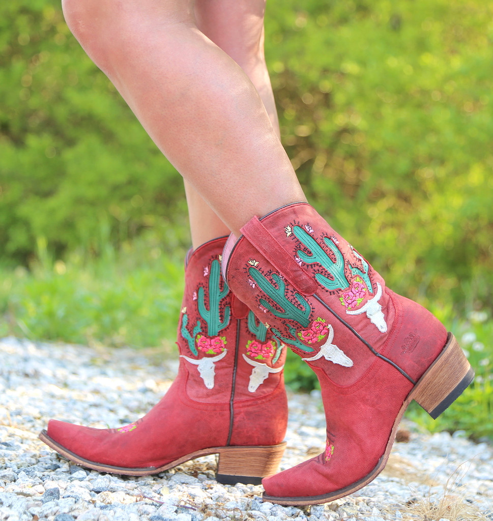 Junk Gypsy by Lane Bramble Rose in Red Boots JG0015D Picture