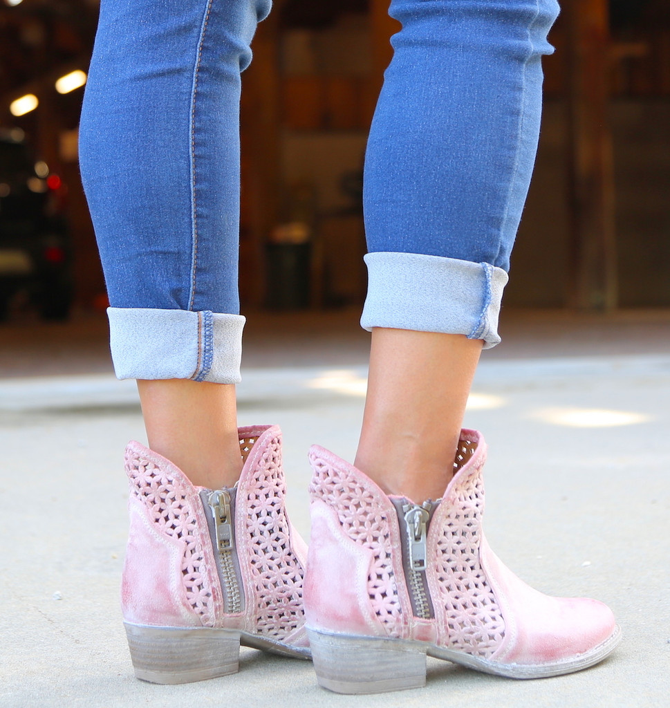 Corral Pink Cutout Shortie Boots Q5062 Heel