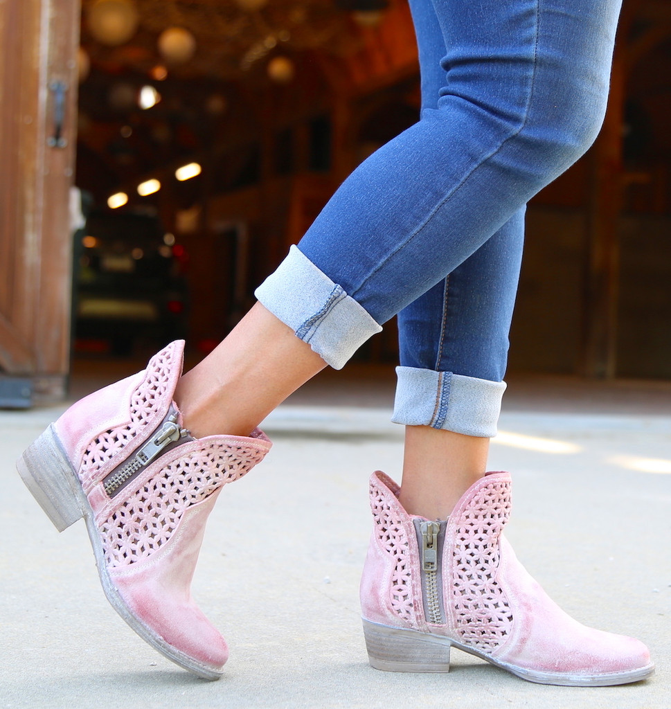 Corral Pink Cutout Shortie Boots Q5062 Walk