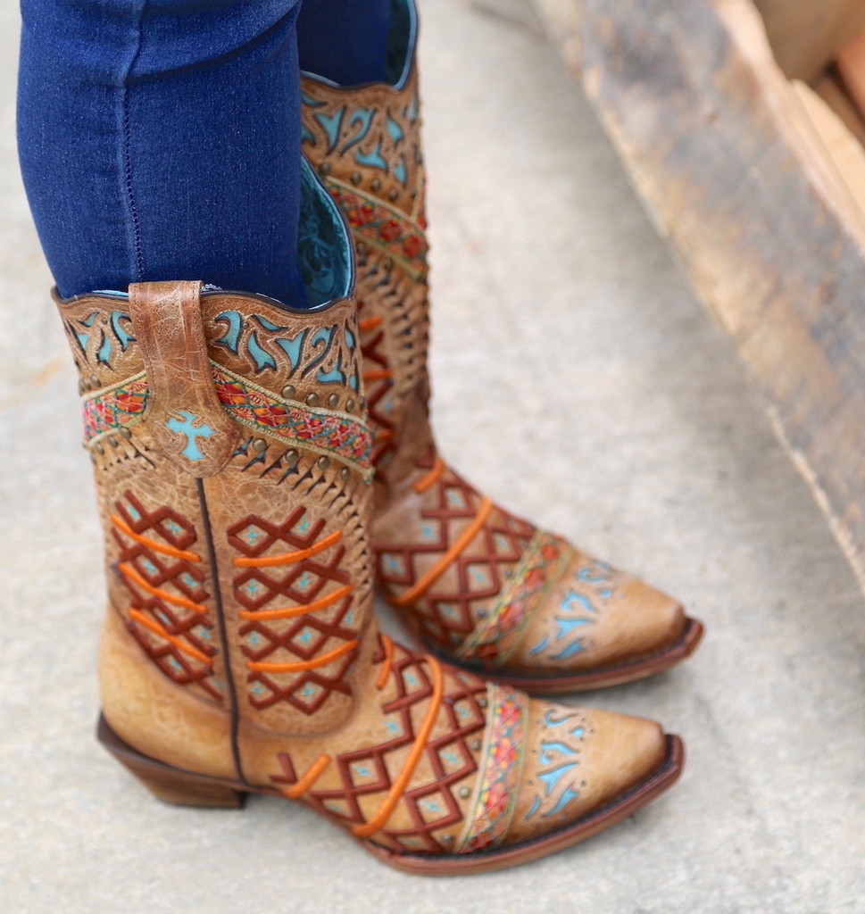 Corral Straw Inlay Embroidery Studs Boots C3284 Top