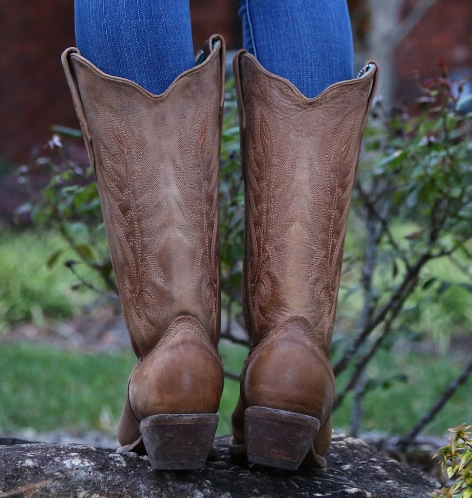 Corral Vintage Tan Cowhide Boots C1928 Heel