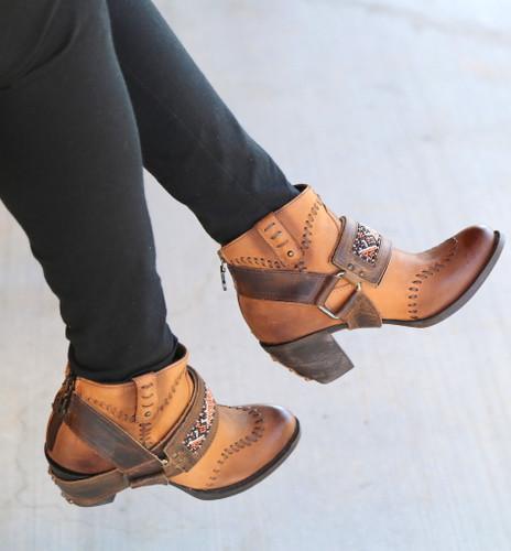 Lane for Double D Ranch Cordero Rizado Tan Boots DD9046A Photo
