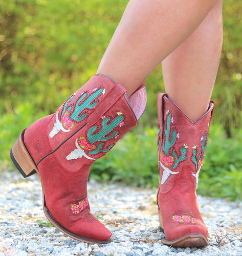 Junk Gypsy by Lane Bramble Rose in Red Boots JG0015D Toe