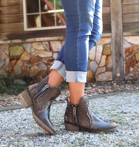 Corral Black Yellow Cutout Shortie Boots Q5021 Picture