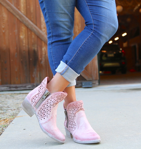 Corral Pink Cutout Shortie Boots Q5062 Photo