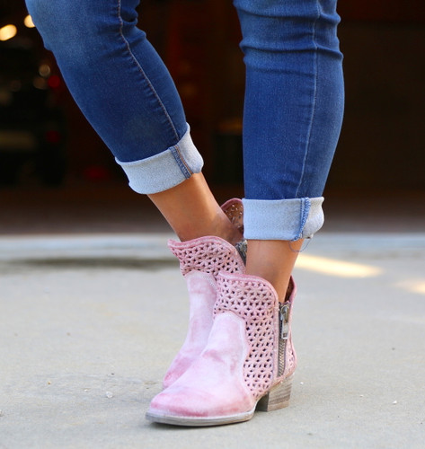 Corral Pink Cutout Shortie Boots Q5062 Toe
