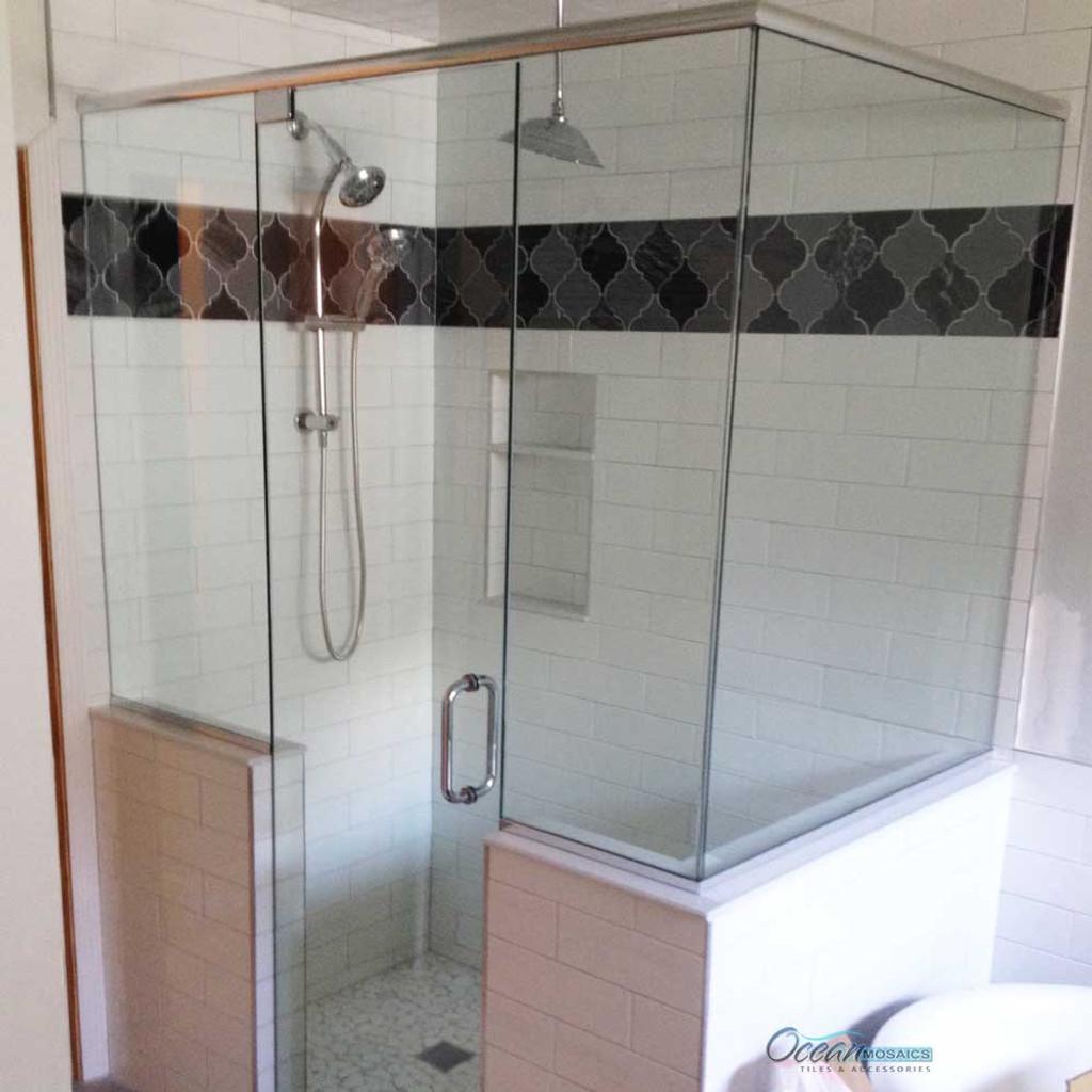 Clover Arabesque black mix shower backsplash border in black