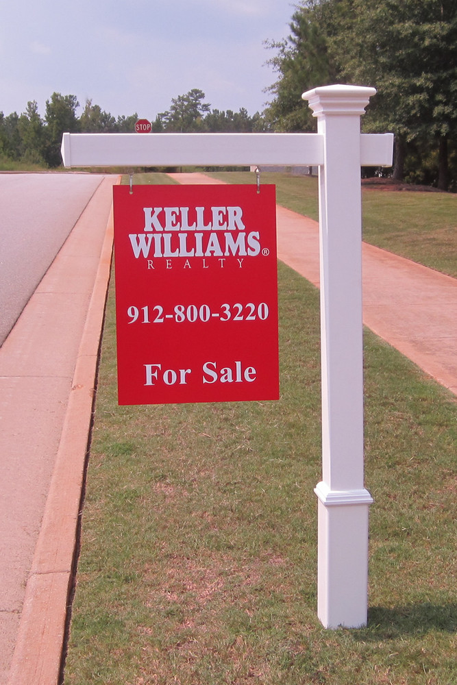 """Savannah Real Estate Post - Shown with 5ft post, 36in arm and 18""""W x 24""""L sign"""