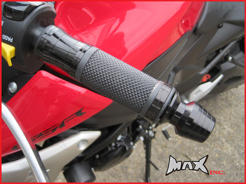 BLACK CNC Machined Aluminium / Rubber Grips With Bar Ends - 7/8
