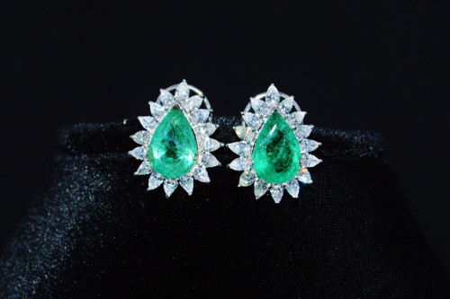 Certified Natural 15.02CTS VS F Diamond Emerald 18K Solid Gold Cluster Earrings