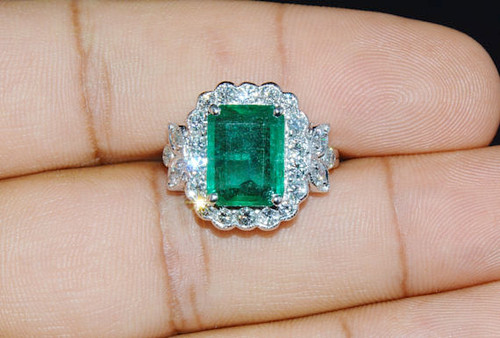 Certified Natural 6.18CTS VS F Diamond Zambian Emerald 18K Solid Gold Ring